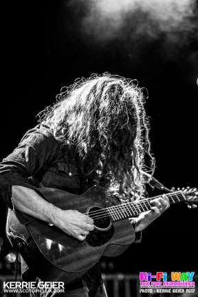KurtVile_RiverbankPalais_14032017_KerrieGeier_10