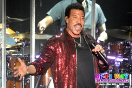 lionel_richie_2018_April_7_01