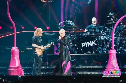 Pink @ Adelaide EntCent 10072018 (24)
